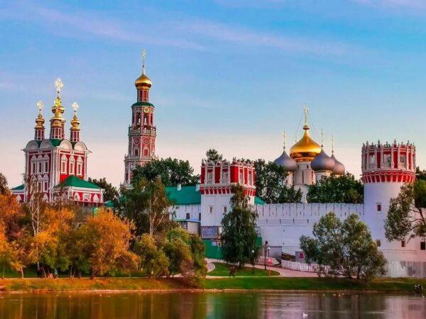 """Ту Москву """"Классика"""" для школьников 2 дня"""