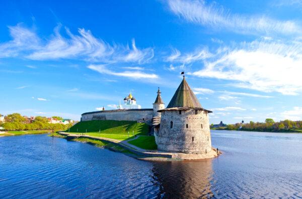Псков-Изборск-Печоры-Пушкинские горы