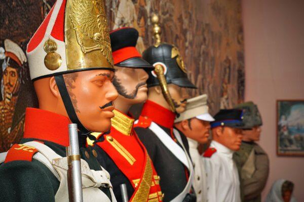 Мундир для героя. музей военной ф.ормы